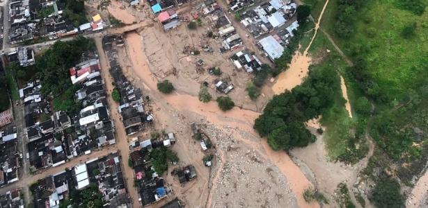 Imagem aérea do deslizamento de terra em Mocoa