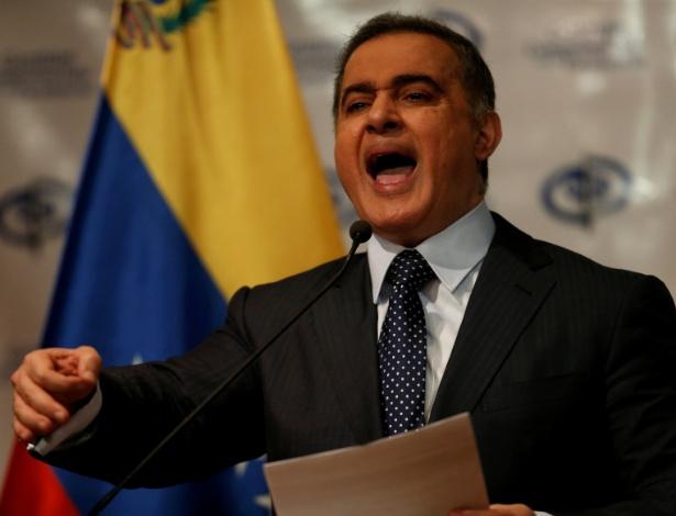 23.ago.2017 - Procurador-geral da Venezuela, Tarek Saab, em coletiva de imprensa em Caracas - ANDRES MARTINEZ CASARES/REUTERS