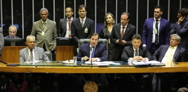 19.fev.2018 - Rodrigo Maia, presidente da Câmara dos Deputados, comanda sessão de votação do decreto de intervenção federal no Rio de Janeiro