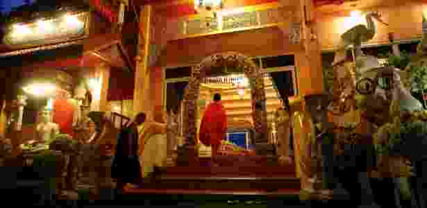 24.jul.18 - Monges budistas em cerimônia para o time de futebol resgatado em caverna da Tailândia - Soe Zeya Tun/Reuters - Soe Zeya Tun/Reuters