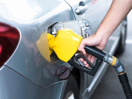 Na 1ª alta do ano, diesel da Petrobras sobe 8%; preço da gasolina ...