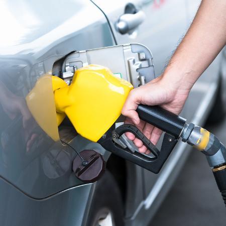 Postos podem ou não repassar redução no preço da gasolina e do diesel aos motoristas - Getty Images