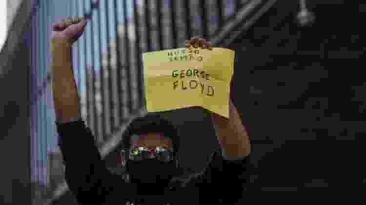 Protesto pela democracia em São Paulo no dia 31 de maio também teve menções a George Floyd - Getty Images - Getty Images