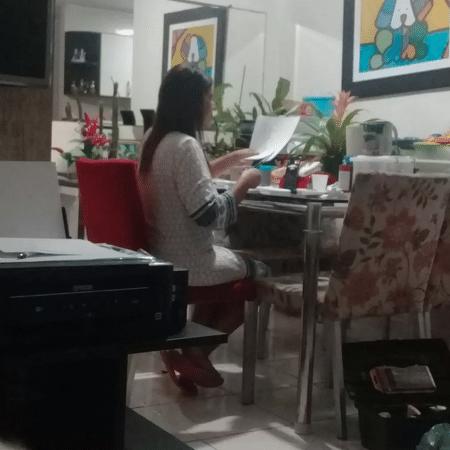 Maria Najila destaca que alunos, inscritos em escolas de regiões periféricas no Guarujá, passam por dificuldades estruturais - Reprodução/Arquivo Pessoal