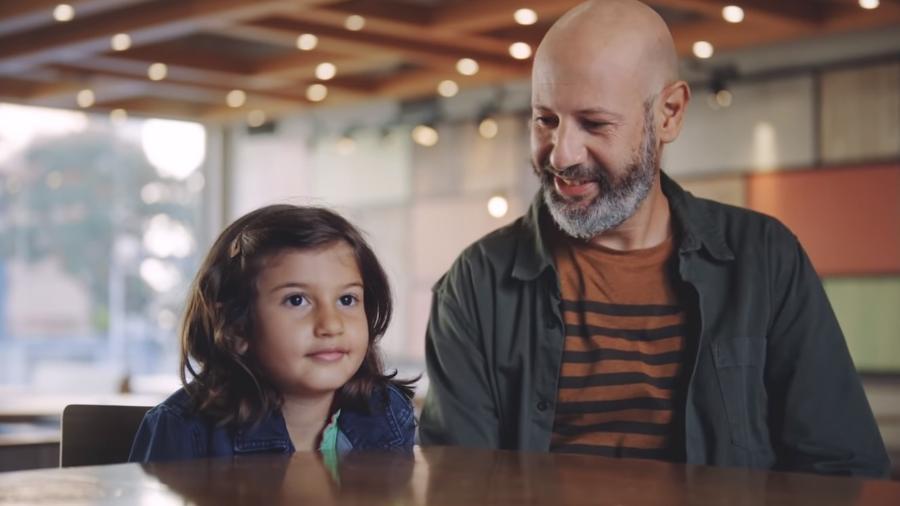 Comercial com ótica infantil sobre comunidade LGBT causa polêmica nas redes - Reprodução