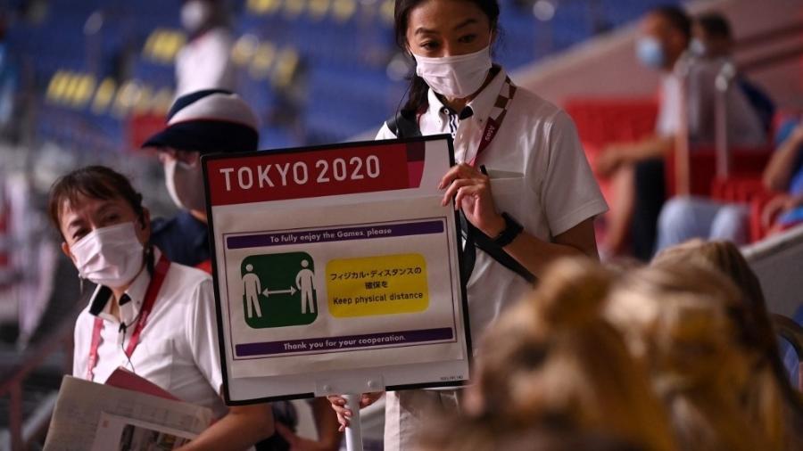 Matemático e professor da Unesp projeta que avanço de contágios em Tóquio em função dos Jogos Olímpicos gere uma nova onda de contaminação em países com baixa cobertura vacinal - MARTIN BERNETTI / AFP