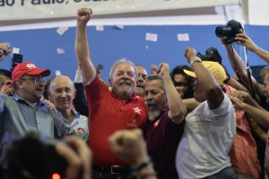 O ex-presidente Lula, cuja prisão preventiva foi pedida pelo MP