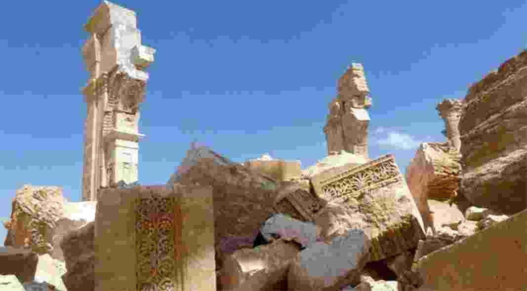 28.mar.2016 - Depois de dez meses sob controle do grupo extremista Estado Islâmico, a cidade histórica de Palmira, na Síria, foi libertada por tropas leais ao líder do país, Bashar al-Assad. O museu da cidade foi vandalizado. Ruínas da cidade estão em sua maior parte intactas - AFP