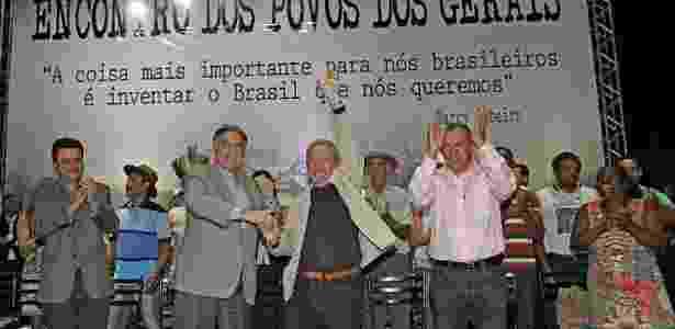 Ao lado de Fernando Pimentel (esq.), o presidente Luiz Inácio Lula da Silva (PT) participa de evento em Montes Claros (MG) em 2015 - Ricardo Stuckert/Instituto Lula