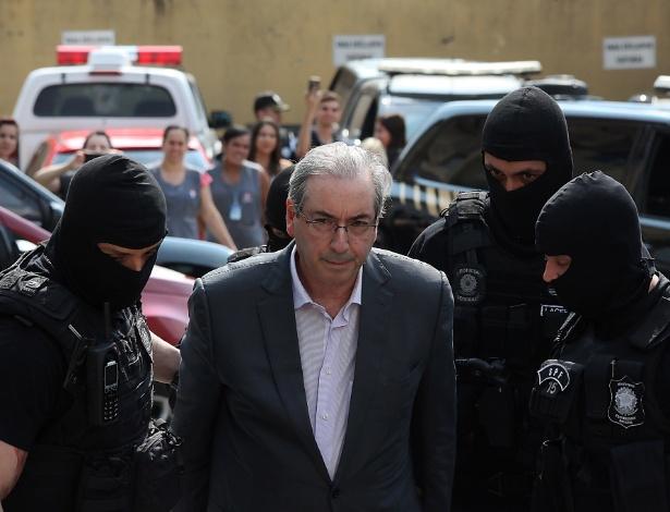 O ex-deputado Eduardo Cunha é levado ao IML de Curitiba para realizar exame de corpo de delito após ter sua prisão decretada pela Justiça, por conta da Operação Lava Jato