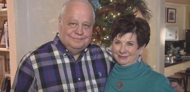 Bill enrolou Linda por 41 anos até que eles se casassem...