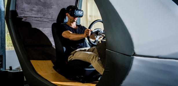 Simulador de direção no Instituto de Pesquisa da Toyota, em Los Altos, Califórnia (EUA)