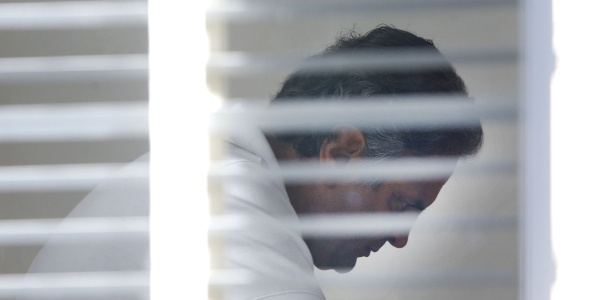 30.jun.2017 - O senador Aécio Neves (PSDB-MG) fotografado em sua residência em Brasília, na tarde desta sexta-feira, 30