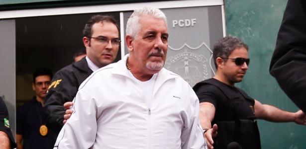 Henrique Pizzolato, após fazer exame de corpo de delito no IML, antes de ir para o complexo penitenciário da Papuda, no Distrito Federal, em 23 de outubro de 2015