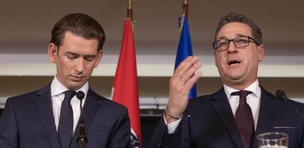 Sebastian Kurz (à esq.), chanceler austríaco, e o vice-chanceler Heinz-Christian Strache, do FPÖ, concedem entrevista à imprensa - Alex Halada/AFP