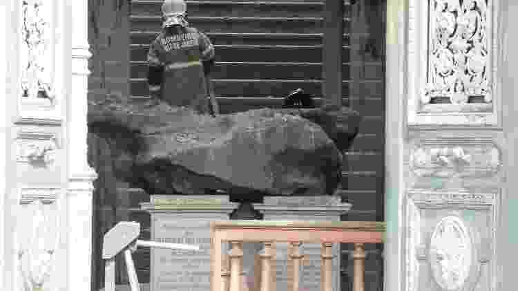 O meteorito Bendegó resistiu ao incêndio do Museu Nacional do Rio de Janeiro, em 2018 - Clever Felix/Estadão Contedúo - Clever Felix/Estadão Contedúo