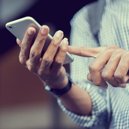 Marinha decidiu proibir o uso de telefones celulares em suas instalações - Getty Images/iStockphoto