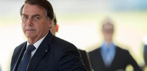 Thaís Oyama | Bolsonaro chamou povo para a rua, mas o povo preferiu ficar em casa