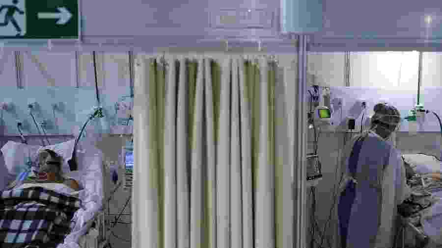 Pacientes com covid-19 em hospital de campanha no Rio de Janeiro (RJ) - RICARDO MORAES