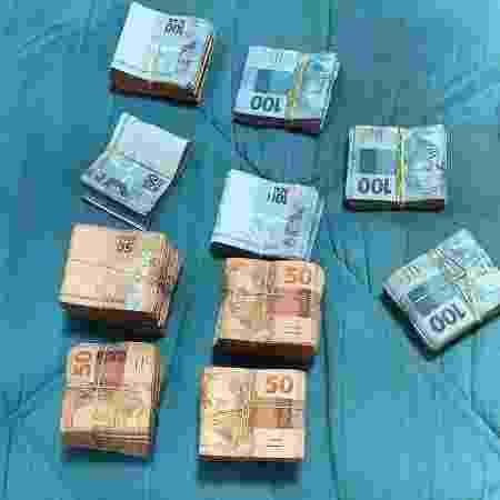R$ 75 mil encontrados com Carla Chaves Fontan durante Operação Gárgula do Ministério Público do Rio - Divulgação/MPRJ - Divulgação/MPRJ