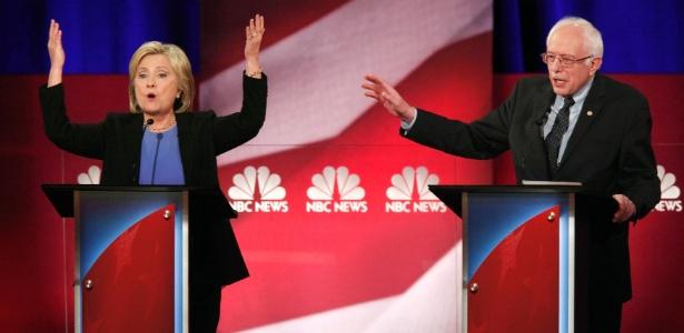 Hillary Clinton e Bernie Sanders, que disputam a candidatura democrata