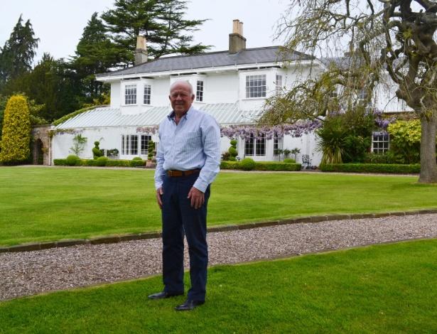 O bilionário Peter Hargreaves contribuiu com 3,2 milhões de libras para a campanha do Brexit, diante de sua casa próxima a Bristol (Inglaterra),