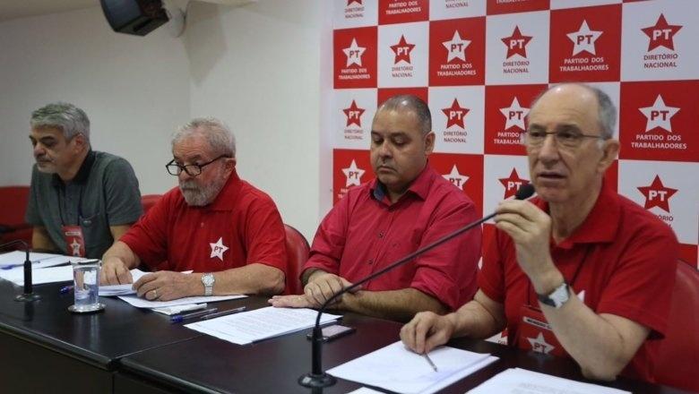 Comissão Executiva Nacional do PT faz reunião em São Paulo