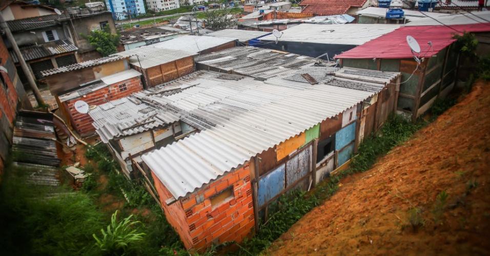 26.jan.2017 - Barracos em ocupação do núcleo Lamartine, no Jardim Santo André, em Santo André (ABC paulista). O local é classificado como área de risco pela Defesa Civil