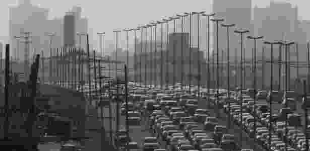 Cerca de nove milhões de mortes anuais podem ser atribuídas a doenças causadas pela contaminação do ar e da água - Edilson Dantas/Folhapress - Edilson Dantas/Folhapress