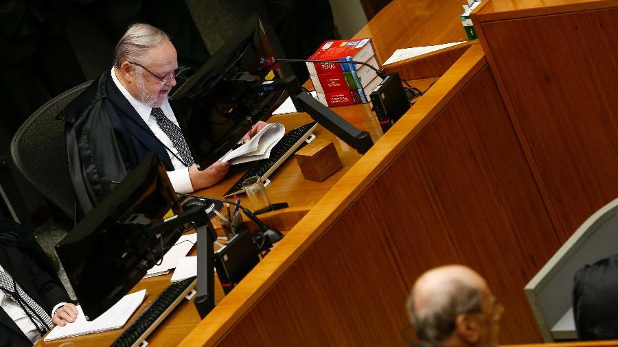 Felix Fischer é responsável pelos processos da Operação Lava Jato e relator do habeas corpus de Queiroz - Pedro Ladeira/Folhapress