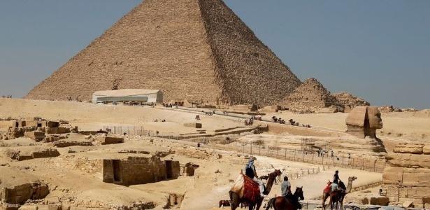 A Grande Pirâmide de Gizé é a mais antiga das sete maravilhas do mundo