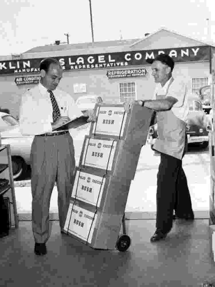 A partir de 1955, a incidência de pólio nos EUA caiu drasticamente - Getty Images - Getty Images