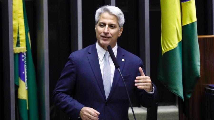 """Para o deputado Alessandro Molon (PSB-RJ), """"não é razoável"""" baixar o auxílio de R$ 600 para R$ 300 - Luís Macedo/Câmara dos Deputados"""
