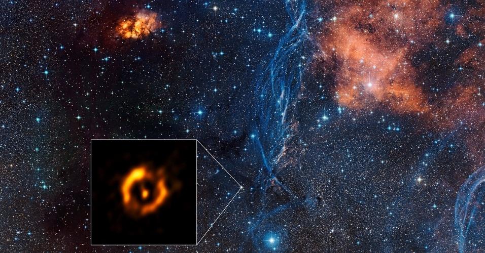 8.mar.2016 - VIDA E MORTE DE UMA ESTRELA - Essa é a imagem mais nítida já conseguida por um telescópio de um disco de poeira em torno de uma estrela envelhecida. Ela foi feita pelo Interferômetro do Very Large Telescope, instalado no Observatório do Paranal do ESO (Observatório Europeu do Sulm, sigla em inglês), no Chile. A estrela em questão é a IRAS 08544-4431, situada a 4.000 anos-luz da Terra. Discos como esse se parecem com os mesmos que formam planetas em torno de estrelas jovens. Antes dessa imagem, os astrônomos ainda não tinham conseguido comparar os dois tipos: os que se formam no início e no final do ciclo de vida das estrelas