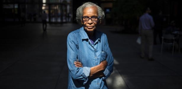 Hazel Ingram trabalha limpando escritórios em Manhattan, Nova York