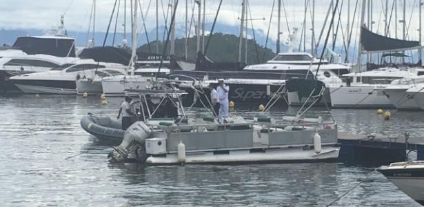 Equipes de socorro deixaram o cais em Paraty para buscas por corpos de vítimas de acidente aéreo que matou o ministro