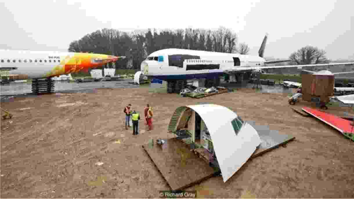 Lugar para onde os aviões vão para 'morrer' - Richard Gray/BBC