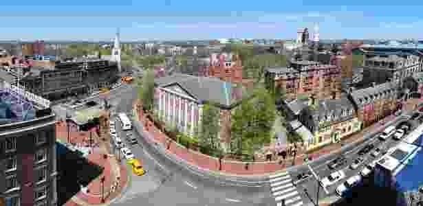 Campus da Universidade Harvard em Cambridge, em Massachusetts, nos EUA - Wikimedia Commons