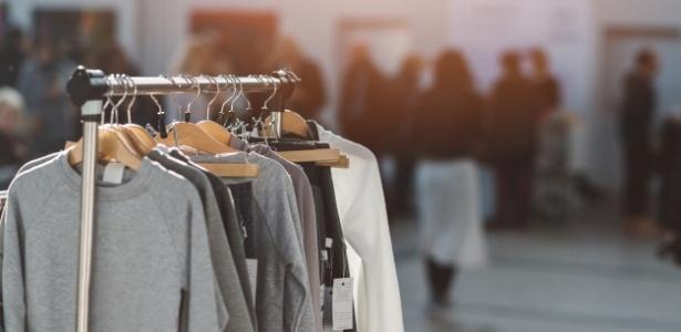 479ce0cd568 Crise reforça mercado  consciente  de roupas usadas. Aprenda a vender bem -  30 08 2017 - UOL Universa