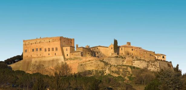 Prefeito do povoado de San Giovanni d'Asso, na Toscana, lançou programa oferendo bônus de 300 euros mensais