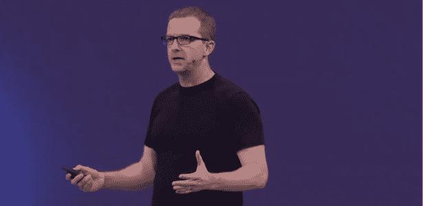 Mike Schroepfer, chefe de tecnologia do Facebook, foi o apresentador da vez na F8 - Reprodução
