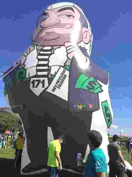 Versão do boneco inflável foi lançada em Brasília - Hanrrikson Andrade/UOL