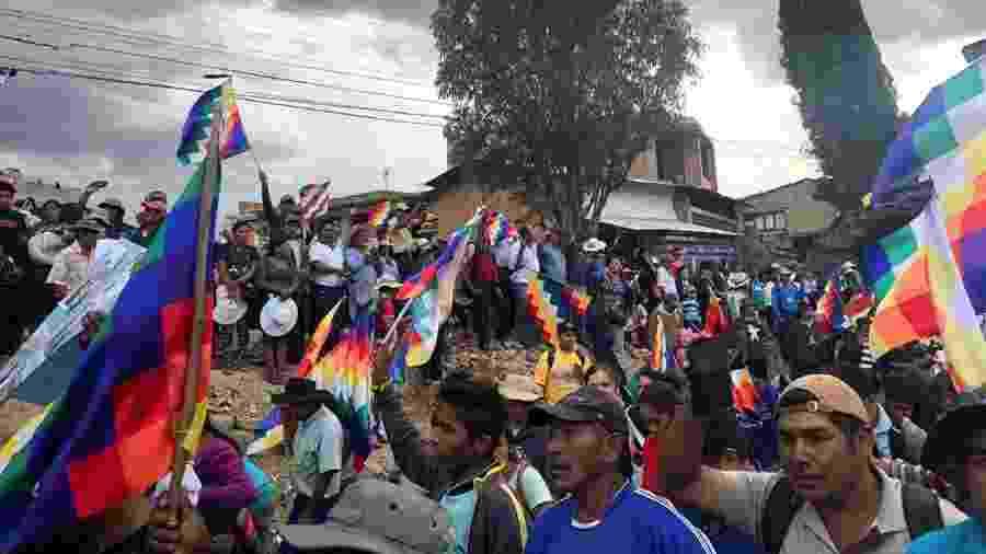 Apoiadores do ex-presidente da Bolívia, Evo Morales, fazem manifestação em Cochabamba - Mitra Taj/Reuters