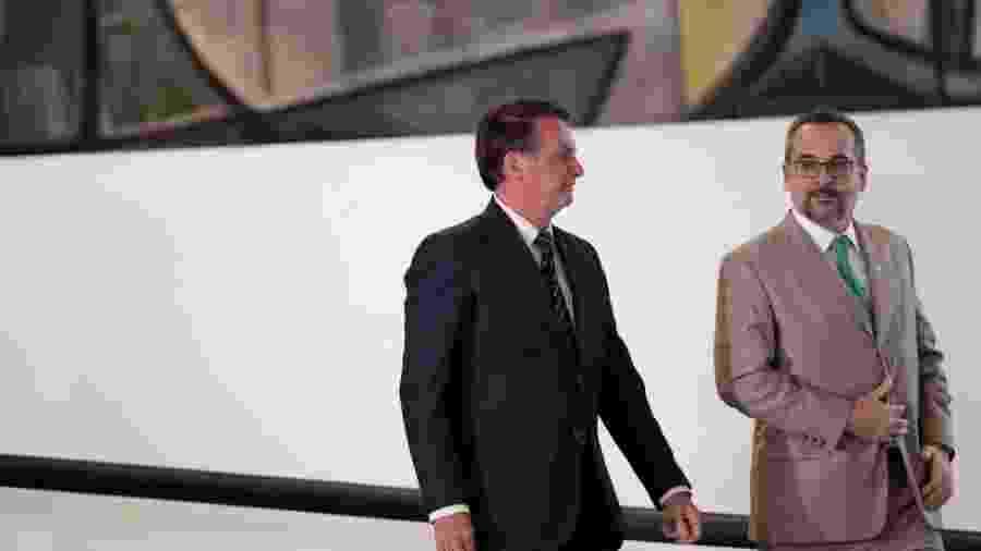 O presidente Jair Bolsonaro (sem partido) e o ministro da Educação, Abraham Weintraub - REUTERS/Ueslei Marcelino