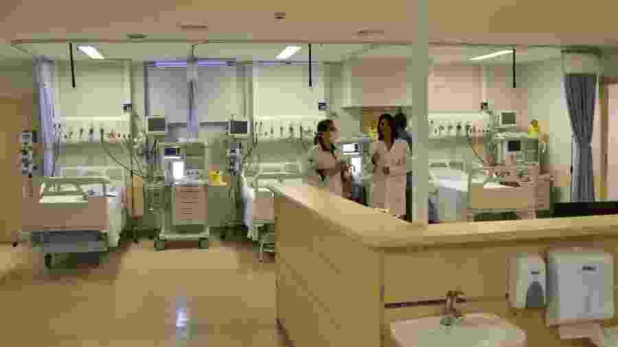18.abr.2020 - Instalações dos novos leitos para paciente diagnosticados com o coronavírus no Hospital Municipal da Bela Vista, no centro de São Paulo - ROBERTO CASIMIRO/FOTOARENA/FOTOARENA/ESTADÃO CONTEÚDO