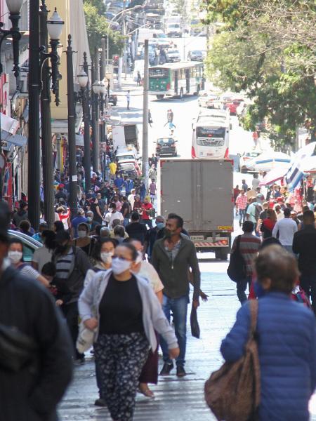 Movimentação em São Paulo, durante a pandemia do novo coronavírus - FERNANDA LUZ/ESTADÃO CONTEÚDO