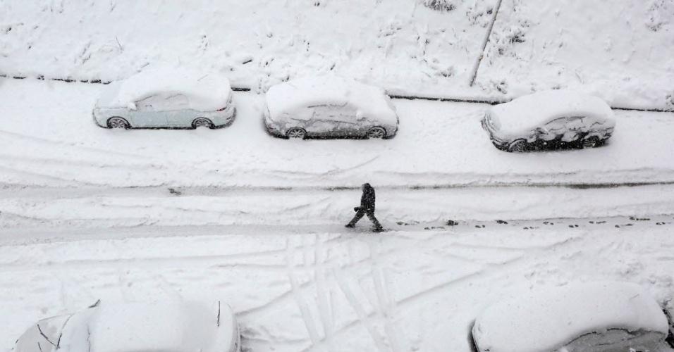 6.fev.2016 - Ancara, capital da Turquia, amanhece coberta por neve. A temperatura no país é de 2ºC, mas pode chegar à -3ºC durante o dia