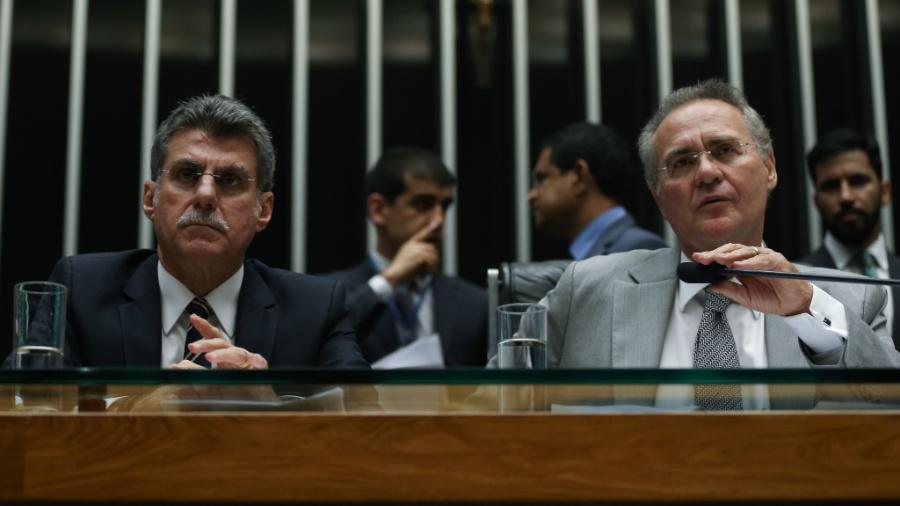 24.mai.2016 - Romero Jucá (e) e Renan Calheiros (d) durante sessão conjunta do Congresso