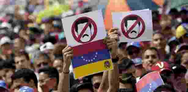 Manifestantes protestam contra o governo do presidente Nicolás Maduro, em Caracas, na Venezuela - Carlos Garcia Rawlins/Reuters