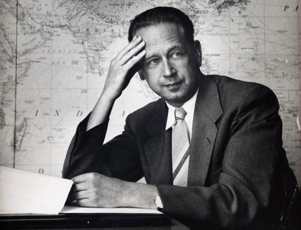 7.ago.1953 - O então secretário-geral da ONU Dag Hammarskjold
